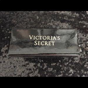 Victoria's Secret Jewelry - Victoria's Secret Angel wings bracelet